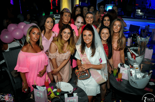 Pretty in pink hen do party. Stag and Hens Magaluf